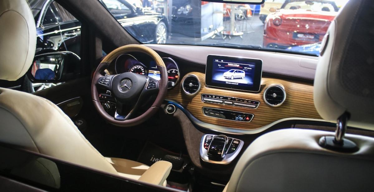 приборная панель Mercedes V-Class